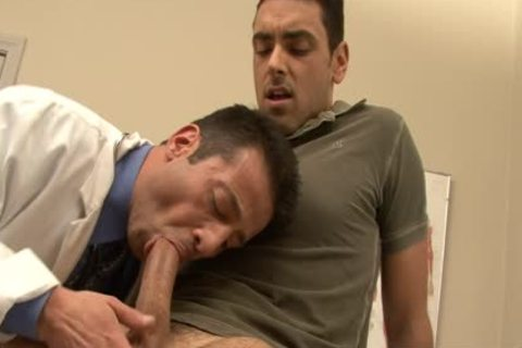 slutty Doctor receives Nailed By His homo Patient At Work