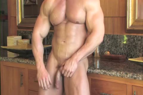Zeb Atlas Has throbbing Muscles To Show