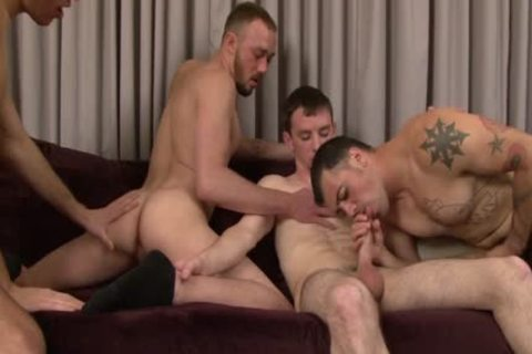 Four handsome pumped up men enjoy Blowjobs
