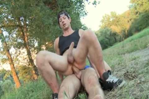 str8 lad acquires large 10-Pounder In Park