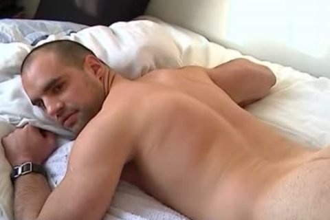 A innocent str8 guy receives Serviced His humongous penis By A guy!