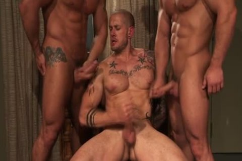 Muscly Hung Hunk three-some love juice