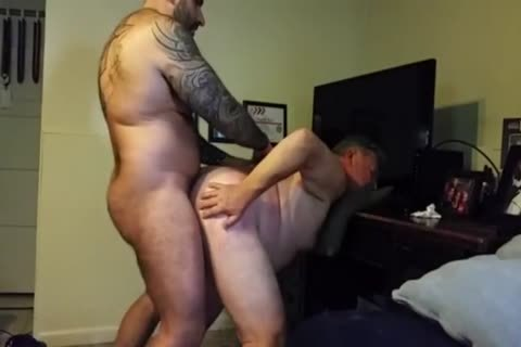 fat Daddy acquires pounded By Muscle Bear