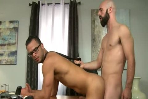 large cock Bear butthole stab With goo flow