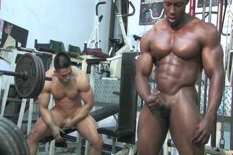 Muscled Hunks Wrestle, jack off & Flex