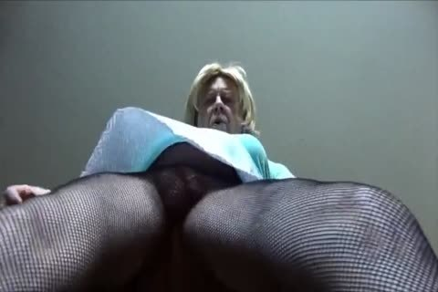 wicked Gigi - Looking filthy In Fishnet hose