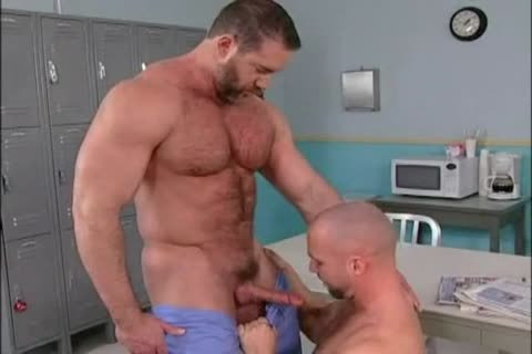 Bo Dixon bangs Ty LeBeuf ( Muscle Worship & Muscle drilling )