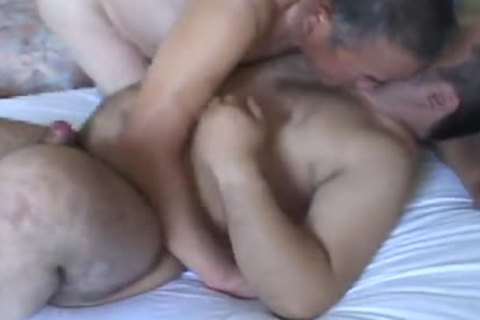 Romantic Sex between Daddy And juvenile Japanese Bear