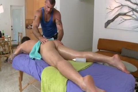 Bear stud Trace Michaels Gives superlatively good Massage