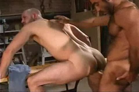 Arabian Hunk banging Skin head