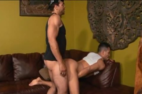 ebon boyfrend fucks A latin chick Trunk