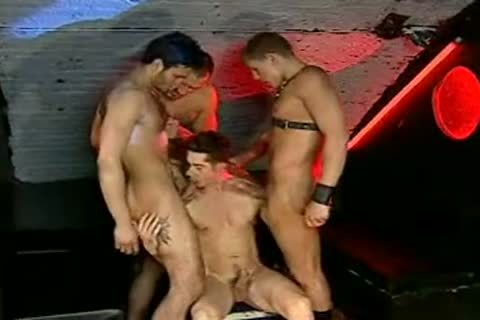 Miklos Franko plowed By A group In A Fuckclub