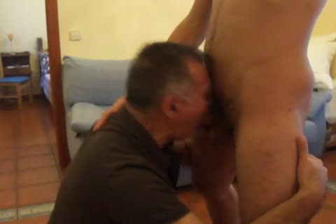 A 30-year older, Tall & stylish,Out Of Town Guest With A gigantic plump 10-Pounder Stops By For A blowjob And Then this dude bonks Me On All Four.  this dude CUMS On My Back.  Needless To Say, I Was Very pleased!  Chaval Alto Y Guapeton De 30-algo Co