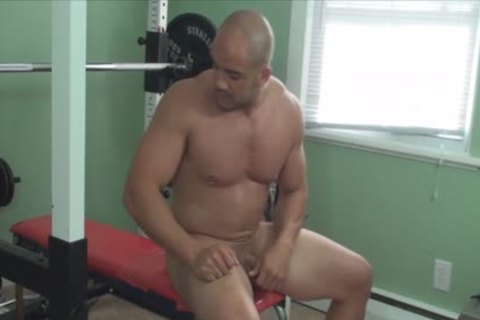 Mission4Muscle Rocky bare Muscle Workout