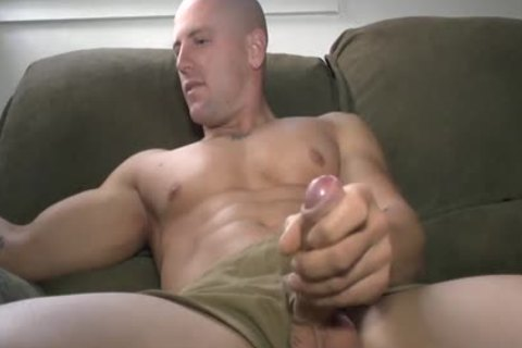 Hung Buddies jack off