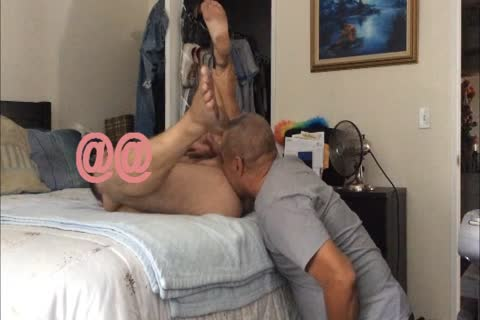 Cable lad Came Over To Fix My Internet Service, I Offered Him Water Or Soda But he truly Wanted anybody To Take His Juices I Can Do That And Much greater amount!! El Del Cable Vino A Repararme El Servicio De Internet, Le Ofreci Soda O Agua Rpor El C