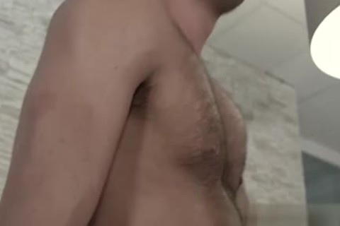 attractive Cub cum flow In mouth