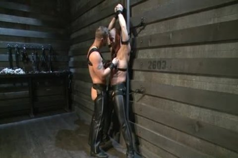 Hung White guy In Leather gets Off gay chap