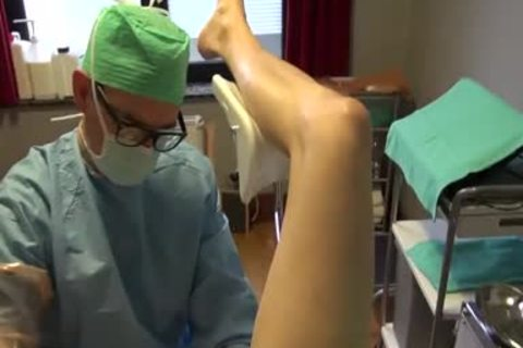 25yo Male Patient gets Fisting Initiation By Surgeon On The Examination Table.
