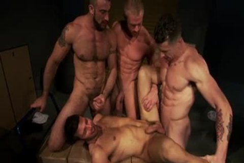 Well Hung men drilling