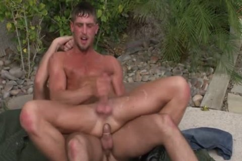 Muscly 3some engulf And Tug