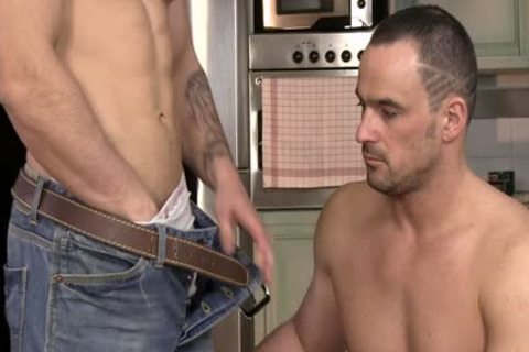 Two homosexual muscular guys Give naughty bj