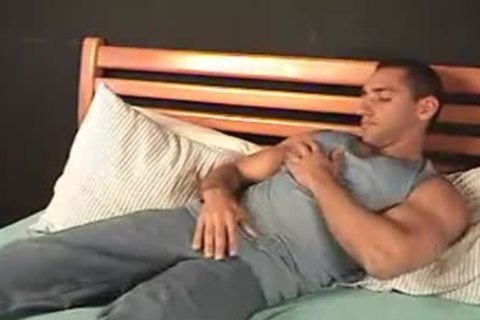 Chico Tugging dong