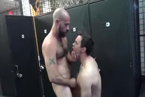 attractive Daddy bonks Pup In Locker Room