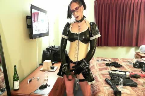 smutty Latex Sissy Maid