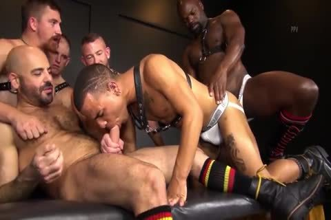 RR - moist N raw Daddy group-sex!