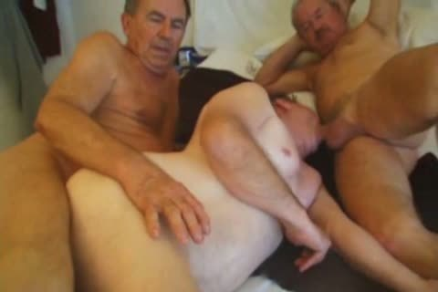 24 year old twink double fisted by muscular top 6