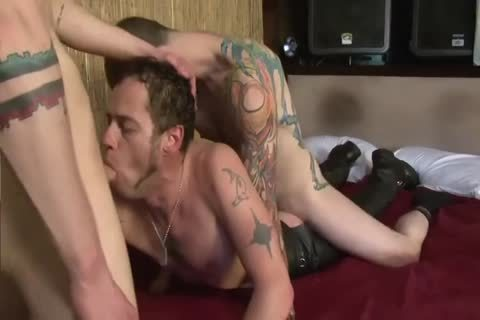 males Have An Intense horny bareback Session