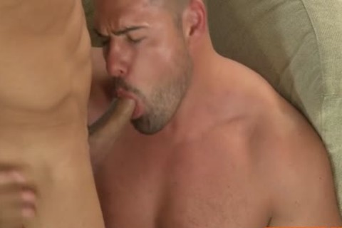 Muscle Bear Flip Flop With ejaculation