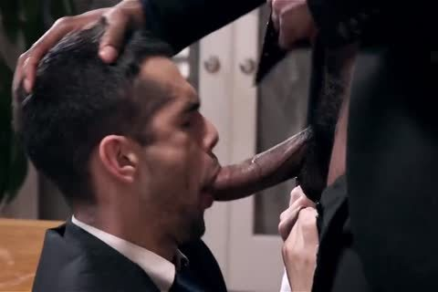 Giving Your dark Boss A oral-stimulation And Getting Barebacked