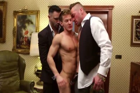Double Teamed In The Office - Darius Ferdynand plowed By Hugh Hunter And Flex Xxtremo