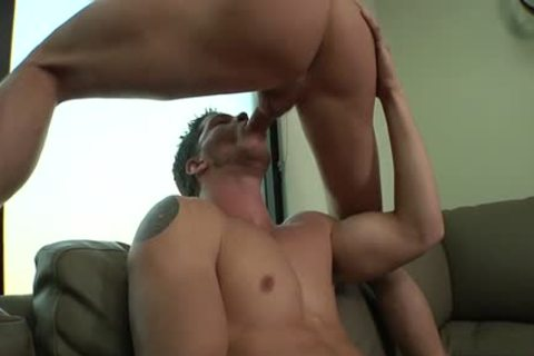 Muscle homo oral sex job And cumshot