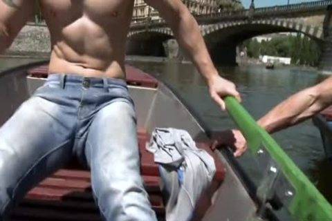 Muscle Daddy Public butthole With ejaculation