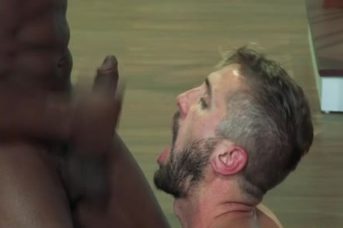 Muscle Bear Interracial And Facial love juice