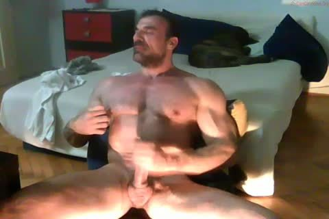 powerful daddy Hunk jerking off