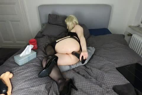 Sissy Crossdresser loves Riding