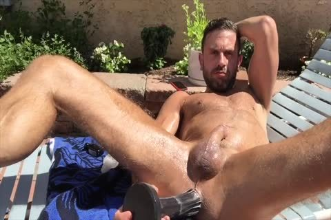Dilf pounding His hole Outside