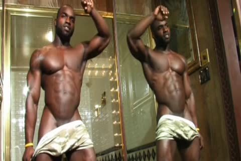 darksome Muscle Hunk Jerks Off