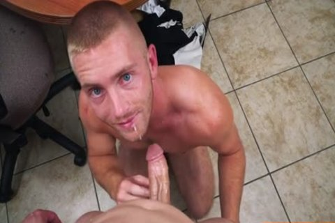 Muscle homo blowjob sex With Facial