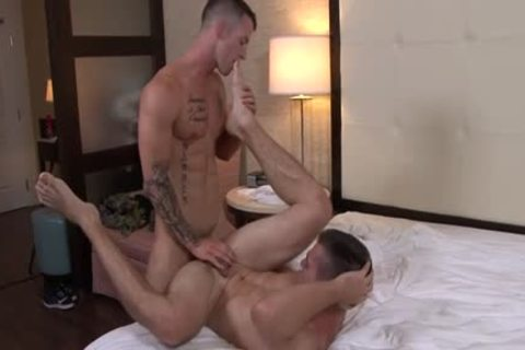 Muscle gay oral sex service and facial