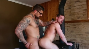 Size Queen - Ryan nails and Kurtis Wolfe butthole fuck