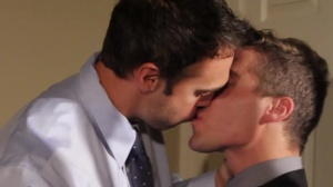 Mail Mix Up - Rocco Reed with Tyler Morgan butthole Hook up
