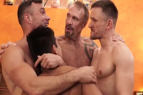 Gay daddies pornofilmer
