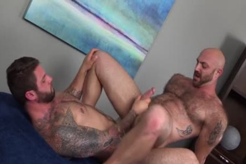 Muscled bushy chap acquires A humongous cock In His wazoo {Ronin & Tatum Parks}