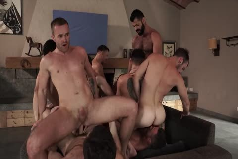 bareback With 11-guy's orgy