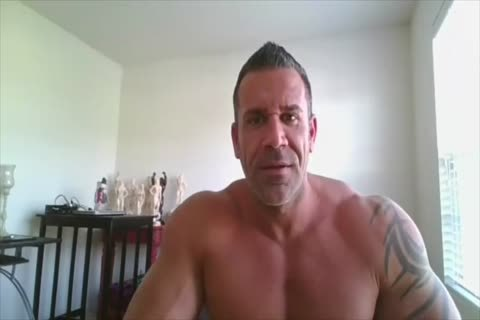 Bodybuilder On webcam
